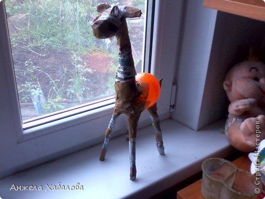 Здравствуйте! Что то меня так затянули жирафы, что и оторваться нельзя! И вот решила: сделаю как я еще одного, только не настоящего, как предыдущий жираф http://stranamasterov.ru/node/710738, а мультяшного!! И вот, что получилось. Оставляю его на ваш суд, в конце обязательно напишите свое мнение: понравилось вам или не понравилось и почему. Буду вам ооочень признательна! А сейчас поделюсь с вами опытом! За основу мк взяла этот http://stranamasterov.ru/node/754719?c=favorite Спасибо большое мастерице за ее подробный мк! Мой мк похож на первых стадиях, но дальше он совершенно другой. фото 6
