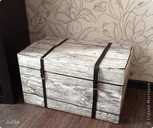 Декор предметов Мастер-класс Декупаж Сундук из коробки для хранения пылесоса Кожа Ткань фото 1