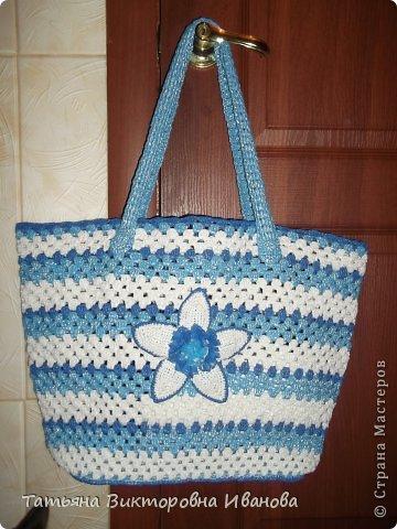 Здравствуйте, жители страны мастеров! Сегодня я вам представляю новую коллекцию сумок из полиэтиленовых пакетов. Первая сумка пляжная. фото 3