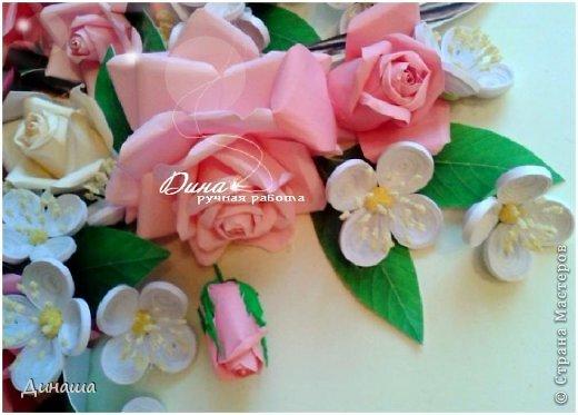 Добрый день! Хочу сегодня представить Вам мою новую работу: корзину наполненную розами и жасмином. Все цветочки сделаны в ручную до последней тычинки. Корзина - распечатка, листочки тоже. Размер картины в раме - 45 на 55 см. фото 6