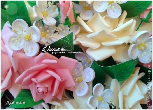 Добрый день! Хочу сегодня представить Вам мою новую работу: корзину наполненную розами и жасмином. Все цветочки сделаны в ручную до последней тычинки. Корзина - распечатка, листочки тоже. Размер картины в раме - 45 на 55 см. фото 4