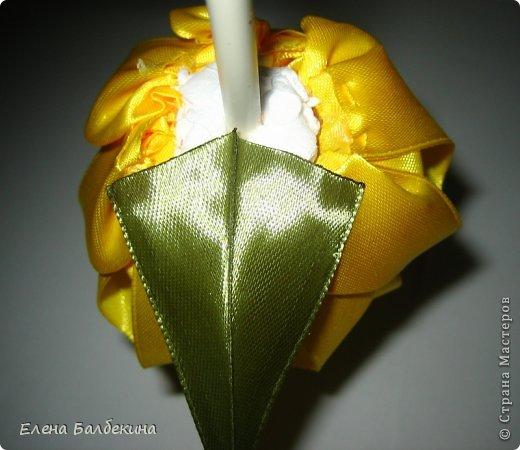 Мастер-класс Поделка изделие Цумами Канзаши Желтая роза подробный МК  Ленты Проволока фото 16