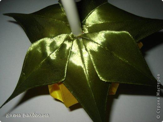 Мастер-класс Поделка изделие Цумами Канзаши Желтая роза подробный МК  Ленты Проволока фото 19