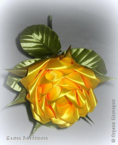 Мастер-класс Поделка изделие Цумами Канзаши Желтая роза подробный МК  Ленты Проволока фото 24