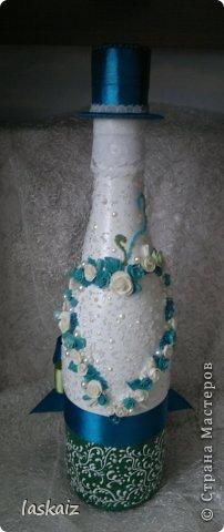 Добрый день всем,всем! Попросили сделать набор на свадьбу. Итог перед вами. Состоит из 4 бокалов,двух бутылок,большой свечи,двух маленьких, топиария,подсвечников и замочка. Теперь все по отдельности и с детальками)) фото 20