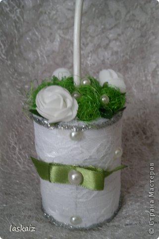 Добрый день всем,всем! Попросили сделать набор на свадьбу. Итог перед вами. Состоит из 4 бокалов,двух бутылок,большой свечи,двух маленьких, топиария,подсвечников и замочка. Теперь все по отдельности и с детальками)) фото 27
