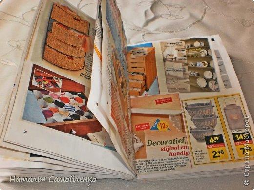 Ну, что тут поделать....люблю я делать в доме перестановку!!!! Но с каждым годом мебель становится всё тяжелее и тяжелее:-)) Да и от дизайна своей мебели под устала....хочется поменять....изменить....отдать....выбросить:-) Поэтому, картонная мебель- это как раз мебель для меня!!!! Вот такой шкаф сделала из картона, в свой уголок творчества, чтоб было всё по полочкам, чтоб в любой момент могла его переставить. Высота шкафа 2.20см., ширина 1.10см., глубина полочек 0.30см., фото 2