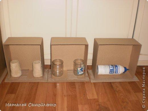 Ну, что тут поделать....люблю я делать в доме перестановку!!!! Но с каждым годом мебель становится всё тяжелее и тяжелее:-)) Да и от дизайна своей мебели под устала....хочется поменять....изменить....отдать....выбросить:-) Поэтому, картонная мебель- это как раз мебель для меня!!!! Вот такой шкаф сделала из картона, в свой уголок творчества, чтоб было всё по полочкам, чтоб в любой момент могла его переставить. Высота шкафа 2.20см., ширина 1.10см., глубина полочек 0.30см., фото 14
