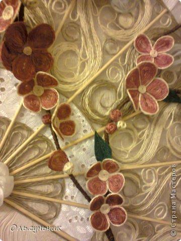 Привет всем Мастерам и Мастерицам!!! Вот и осуществилась моя очередная филигранная задумка))) Это Японский Веер с веточкой сакуры)))) Цветущая сакура символизирует молодость, обновление, внешнюю и внутреннюю красоту, любовь и верность. Веер считается талисманом вечной жизни. И вот такой талисман я себе накрутила))) Мне очень нравится, а вам? С веточной моя задумка, нигде такого не видела))) фото 50