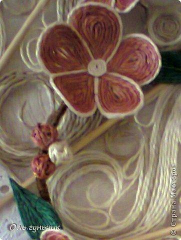 Привет всем Мастерам и Мастерицам!!! Вот и осуществилась моя очередная филигранная задумка))) Это Японский Веер с веточкой сакуры)))) Цветущая сакура символизирует молодость, обновление, внешнюю и внутреннюю красоту, любовь и верность. Веер считается талисманом вечной жизни. И вот такой талисман я себе накрутила))) Мне очень нравится, а вам? С веточной моя задумка, нигде такого не видела))) фото 55