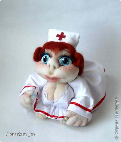 Жаль нельзя показать попу.... она в кружевных бело-красных трусиках ))))))