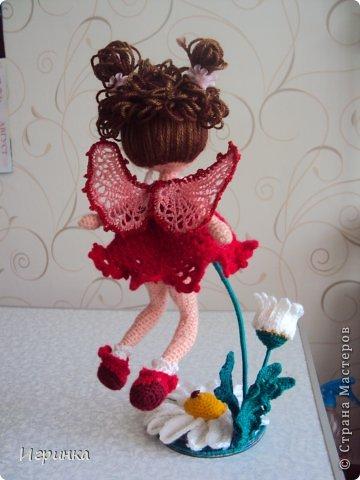 Здравствуйте мастера и мастерицы. Сегодня я привела на смотрины летнюю феечку. Автор этой куколки Ktoma с форума амигуруми. Когда я связала эту девочку, мне очень захотелось, чтоб она полетела. фото 5