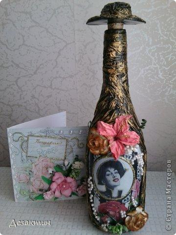 Сделала декупаж, папье-маше,оказалось пустовато, решила добавить цветочков и бусин фото 1