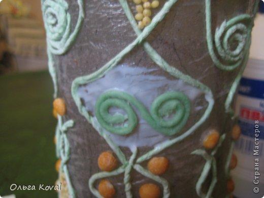 Декор предметов Мастер-класс 23 февраля День рождения Аппликация из скрученных жгутиков Старинная бутылочка Бумага Бутылки стеклянные Клей Краска Крупа Салфетки фото 5