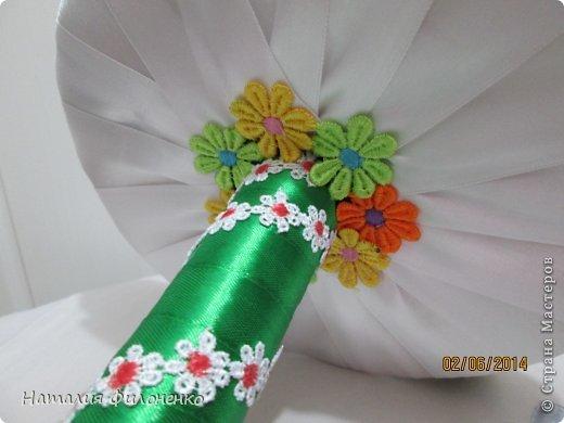 Здравствуй большая СТРАНА!!!! Сделала тортик из полотенец на день рождение маме.  Цветочки тоже делала сама. фото 8