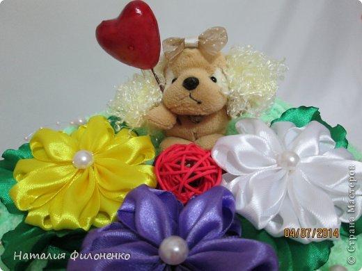 Здравствуй большая СТРАНА!!!! Сделала тортик из полотенец на день рождение маме.  Цветочки тоже делала сама. фото 3