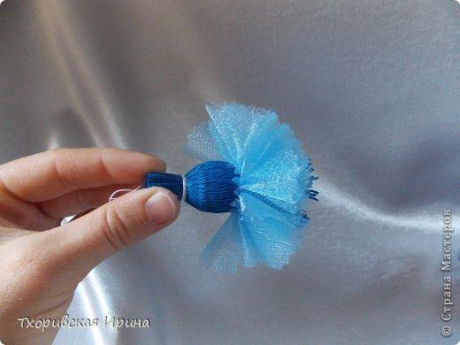 Мастер-класс Свит-дизайн Моделирование конструирование МК василька для конфетного букета Бумага гофрированная Нитки фото 11