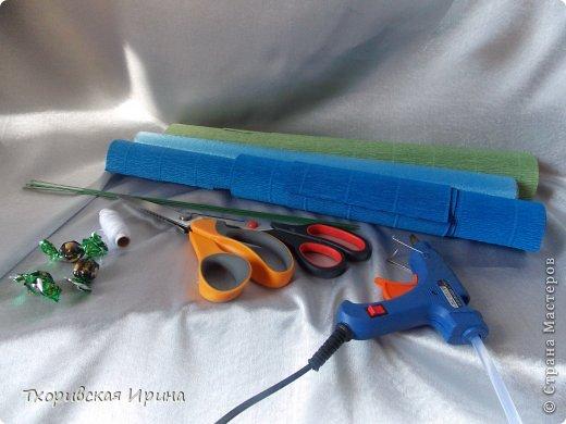 Мастер-класс Свит-дизайн Моделирование конструирование МК василька для конфетного букета Бумага гофрированная Нитки фото 2