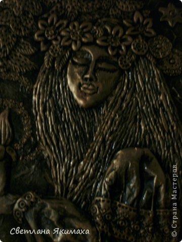 приветствую всех мастеров, новичков и гостей страны мастеров! прошел праздник Ивана купала , полыхание костров, мерцание свечей, плетение и пускание на воду венков, поиск таинственного цветка папоротника который зацветает этой ночью и нашедшему исполняет все желания... это красивая легенда, в нашей степи папоротник ни со свечкой, ни с огнем не сыскать, но молодежь пускает китайские фонарики,прыгает через костер загадывая себе счастливую судьбу. вот и захотелось поселить у себя дома эту красивую легенду воплощенной в панно. фото 32