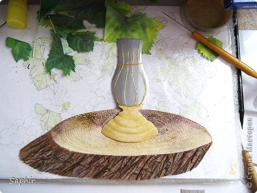Это вторая моя работа с виноградом. (Первую попытку можно посмотреть здесь: https://stranamasterov.ru/node/243735 .) Виноград молодой, только созревающий, но пчёлки его уже облюбовали. фото 5