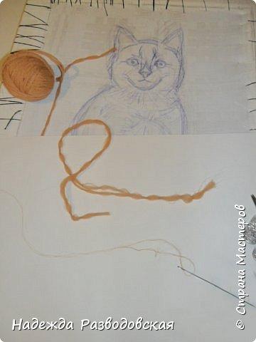 В данном мастер-классе по просьбам любителей вышивки я решила показать наглядно, как я вышиваю гладью синтетическими нитками - на примере кота Рыжика. Р.S.Дополнено 14.05.2015г. Обнаружила свой мастер класс по вышивке гладью кота Рыжика на сайте http://svoimi-rukami-club.ru/мастер-класс-по-вышивке-гладью-рыжего-кота/ с заретушированными и вырезанными логотипами сайта Страны Мастеров и своего ника без моего разрешения и без указания ссылки на сайт Страны Мастеров. Советую мастерам заглянуть на этот сайт и проверить, нет ли там ваших работ и мастер-классов, с которыми поступили точно также, как с моим МК по вышивке гладью кота Рыжика. фото 7