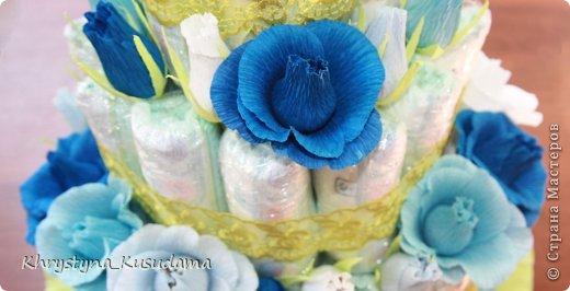 торт з памперсами и конфетами. 69 памперсов, 39 конфет АВК Трюфель фиолетовый фото 3