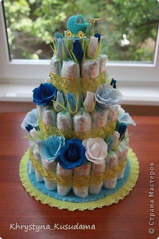 торт з памперсами и конфетами. 69 памперсов, 39 конфет АВК Трюфель фиолетовый фото 4