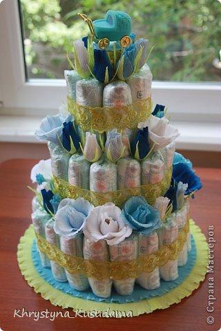торт з памперсами и конфетами. 69 памперсов, 39 конфет АВК Трюфель фиолетовый фото 5