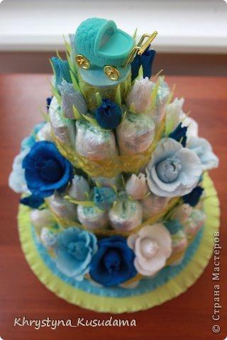 торт з памперсами и конфетами. 69 памперсов, 39 конфет АВК Трюфель фиолетовый фото 7