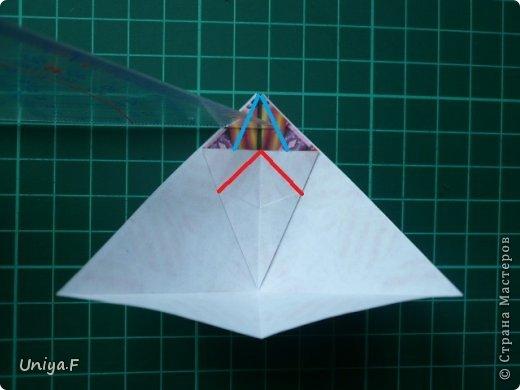 Это второй член королевской четы. Фараон (ну кому ж еще быть?)   Name: Pharaoh Designer: Maria Sinayskaya                 Diadem kusudama https://www.flickr.com/photos/51642560@N02/5096622060/in/set-72157624275437833/ Variation: Uniya Filonova Parts: 30 + 60 Paper: 7,5 x 7,5 + 5 x 5 Final height: ~ 12 cm Joint: no glue фото 9