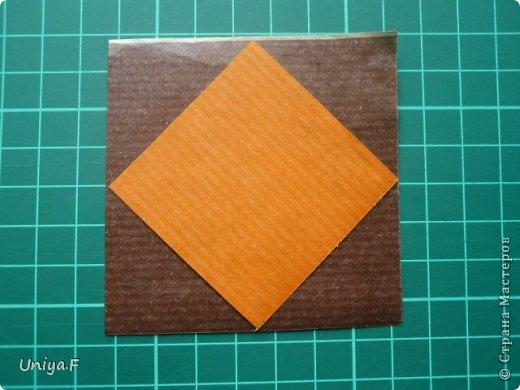 Это второй член королевской четы. Фараон (ну кому ж еще быть?)   Name: Pharaoh Designer: Maria Sinayskaya                 Diadem kusudama https://www.flickr.com/photos/51642560@N02/5096622060/in/set-72157624275437833/ Variation: Uniya Filonova Parts: 30 + 60 Paper: 7,5 x 7,5 + 5 x 5 Final height: ~ 12 cm Joint: no glue фото 2