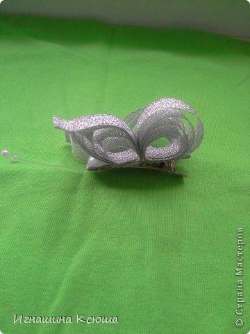 резиночки d-4-5 см на маленькие хвостики, наделала тычинок- теперь и в маленькие цветочки их креплю фото 16