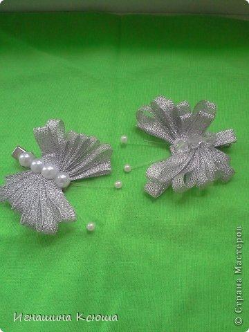 резиночки d-4-5 см на маленькие хвостики, наделала тычинок- теперь и в маленькие цветочки их креплю фото 12