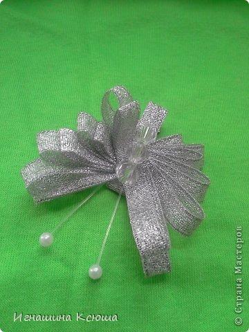 резиночки d-4-5 см на маленькие хвостики, наделала тычинок- теперь и в маленькие цветочки их креплю фото 13
