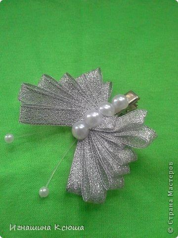 резиночки d-4-5 см на маленькие хвостики, наделала тычинок- теперь и в маленькие цветочки их креплю фото 14