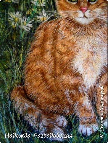 В данном мастер-классе по просьбам любителей вышивки я решила показать наглядно, как я вышиваю гладью синтетическими нитками - на примере кота Рыжика. Р.S.Дополнено 14.05.2015г. Обнаружила свой мастер класс по вышивке гладью кота Рыжика на сайте http://svoimi-rukami-club.ru/мастер-класс-по-вышивке-гладью-рыжего-кота/ с заретушированными и вырезанными логотипами сайта Страны Мастеров и своего ника без моего разрешения и без указания ссылки на сайт Страны Мастеров. Советую мастерам заглянуть на этот сайт и проверить, нет ли там ваших работ и мастер-классов, с которыми поступили точно также, как с моим МК по вышивке гладью кота Рыжика. фото 40