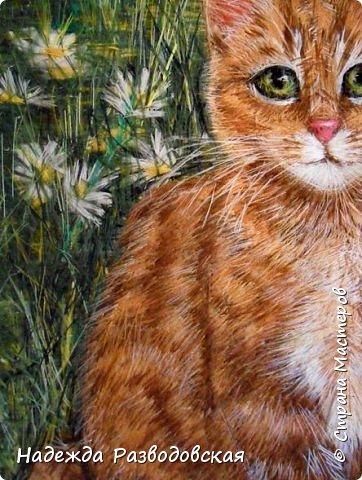 В данном мастер-классе по просьбам любителей вышивки я решила показать наглядно, как я вышиваю гладью синтетическими нитками - на примере кота Рыжика. Р.S.Дополнено 14.05.2015г. Обнаружила свой мастер класс по вышивке гладью кота Рыжика на сайте http://svoimi-rukami-club.ru/мастер-класс-по-вышивке-гладью-рыжего-кота/ с заретушированными и вырезанными логотипами сайта Страны Мастеров и своего ника без моего разрешения и без указания ссылки на сайт Страны Мастеров. Советую мастерам заглянуть на этот сайт и проверить, нет ли там ваших работ и мастер-классов, с которыми поступили точно также, как с моим МК по вышивке гладью кота Рыжика. фото 38