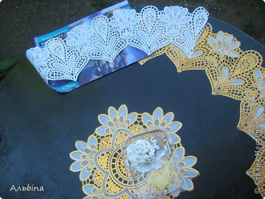 В продолжение темы работы  с виниловыми салфетками расскажу как я реставрировала старый уличный столик) фото 6