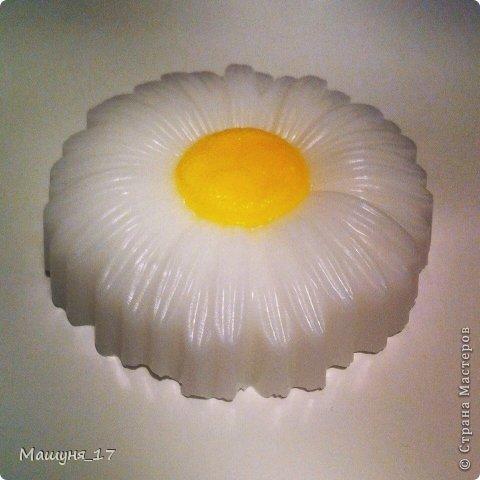 Что-то мне захотелось сделать ещё один мастер-класс)) Ромашка - мыло очень простенькое, МК для начинающих :)  фото 1