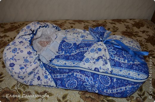 Доброго времени суток,дорогие рукодельницы. Скоро в нашей семье пополнение. Малыш родится в середине сентября и поэтому комплект осенний.В одеяле тонкий синтепон.  фото 14