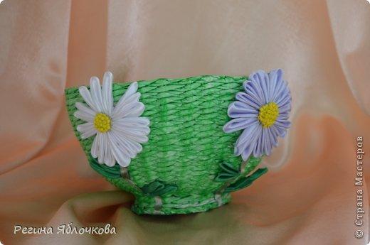 Здравствуйте уважаемые Мастера!!!Спешу поделиться с вами моими работами в июле.Эту вазу я решила сделать в технике канзаши.Моим домочадцам ваза очень понравилась. фото 2