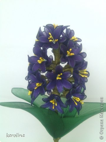 Это мой долгострой, 27 цветков, в каждом по 6 лепестков диаметром 1.5см, дней 5 я его делала и дня 2 собирала.Уф....    на предыдущие мои цветочки можно глянуть тут    https://stranamasterov.ru/node/771272      фото 1