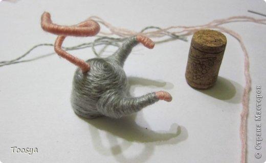Мастер-класс Поделка изделие Моделирование конструирование Плетение МК Магнит Мышки-воришки  Материал природный Проволока Пряжа фото 28