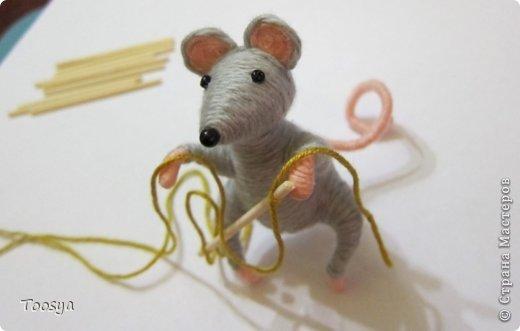 Как сделать из ниток мышку