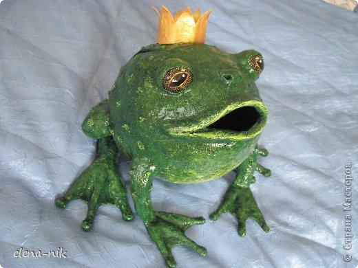 Копилка-лягушка из папье-маше своими руками 70
