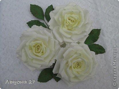Девочки, на этот раз я с розами, никак не отпускают :-) Вот такая брошь. фото 3