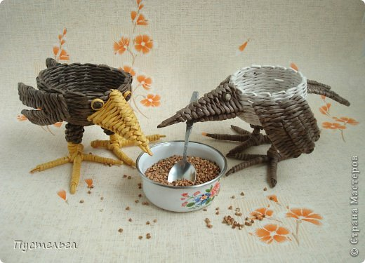Мастер-класс Поделка изделие Плетение Сорока ворона Бумага Трубочки бумажные фото 1