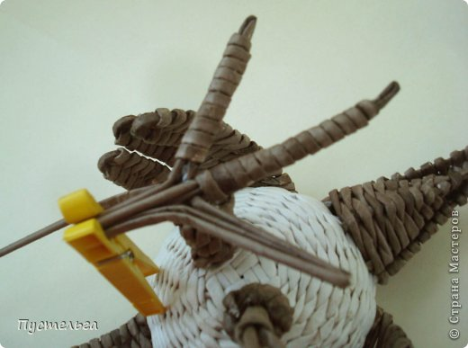 Мастер-класс Поделка изделие Плетение Сорока ворона Бумага Трубочки бумажные фото 16