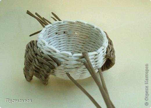 Мастер-класс Поделка изделие Плетение Сорока ворона Бумага Трубочки бумажные фото 10