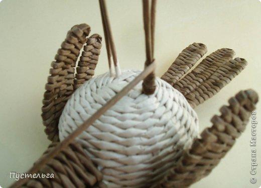 Мастер-класс Поделка изделие Плетение Сорока ворона Бумага Трубочки бумажные фото 12